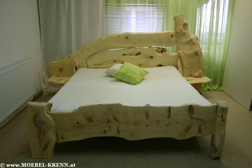 Rustikale Zirbenbetten vom Tischler kaufen