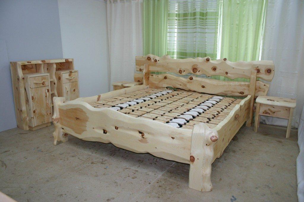 Zirbenholzbett Rustika Salzkammergut