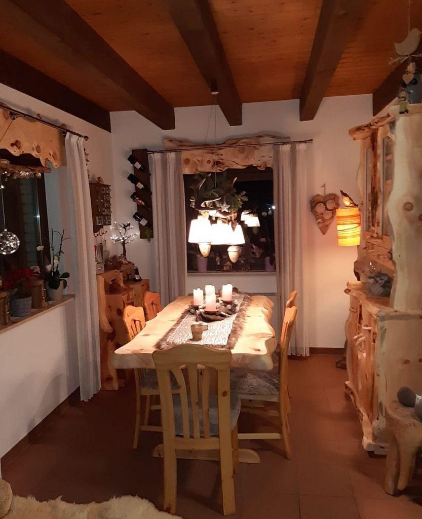 Zirbenholz Esszimmer der Tischlerei Möbel-Krenn aus Österreich