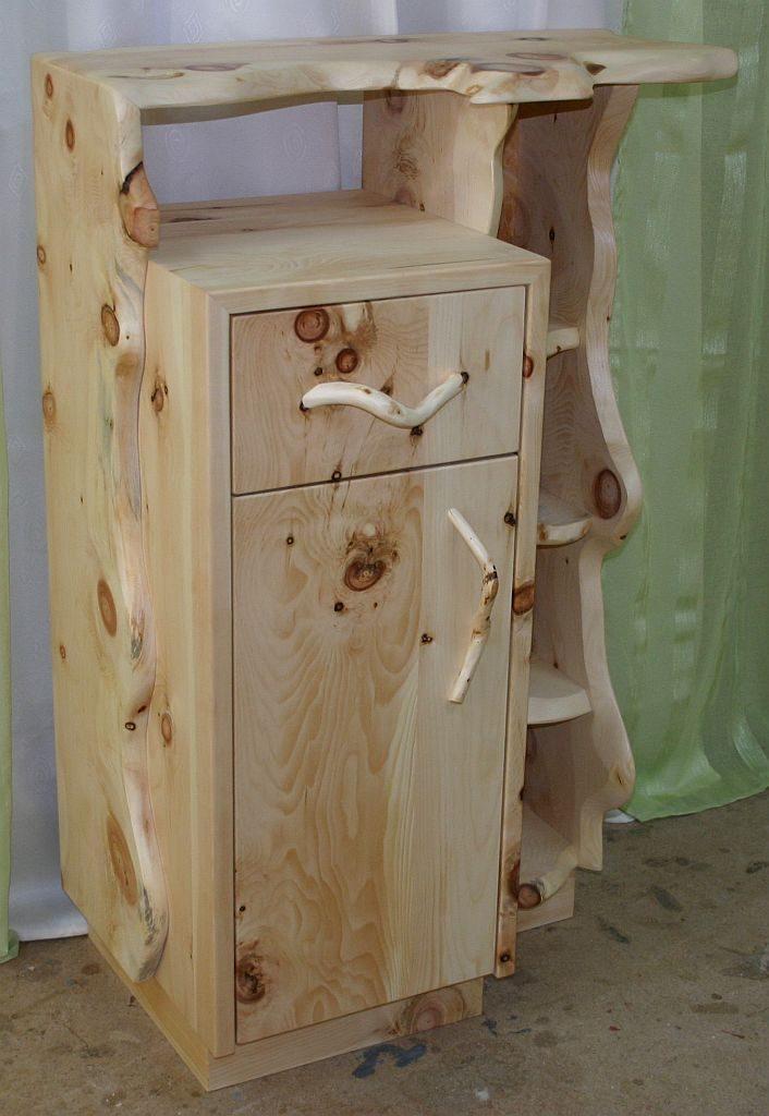 Massive Zirben Holz Kommoden sind als Einzelstücke, gefertigt aus Massiven Zirben Pfosten der Tischlerei Möbel-Krenn aus ÖSTERREICH - Steiermark - WEIZ