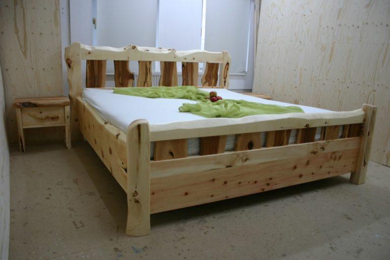 Zirbenholzbett Kombination mit Apfel und Arbe