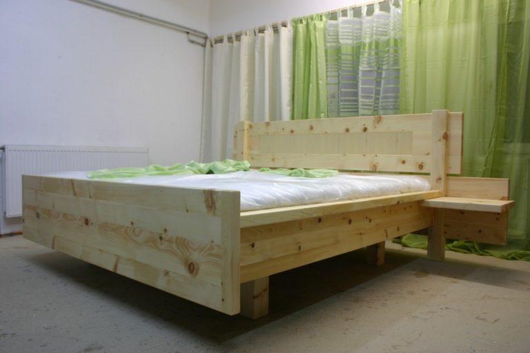 Bett aus Zirbenkiefer Arve